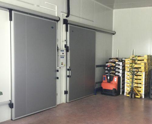 Sliding frigo doors