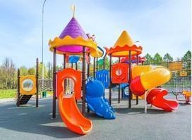 Giochi in plastica per giardini e parchi
