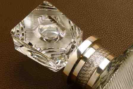 Flacon de whisky en cristal taillé