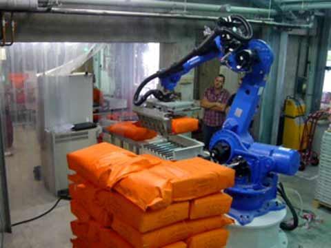 Robot de palettisation de sacs