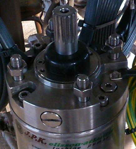 Stainless steel submersible motor