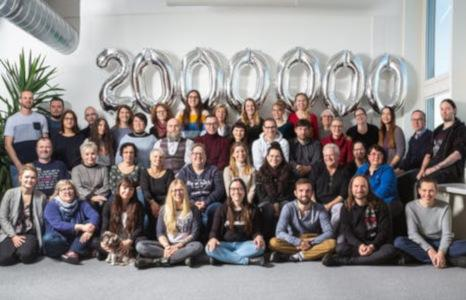 Team und 2 Millionen Bestellungen 2020