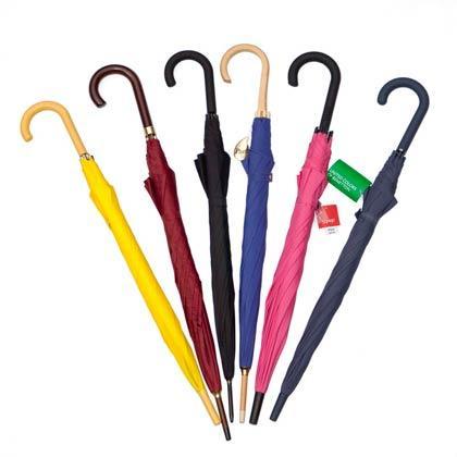 Assortiment de parapluies longs poignée courbe