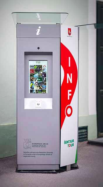 DIGITAL INFORMATIONS TERMINALS WITH TOUCH SCREEN