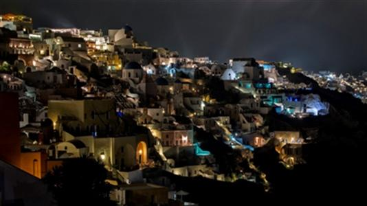 Santorini tours, a choice from archaeological, attractions, beaches, wineries