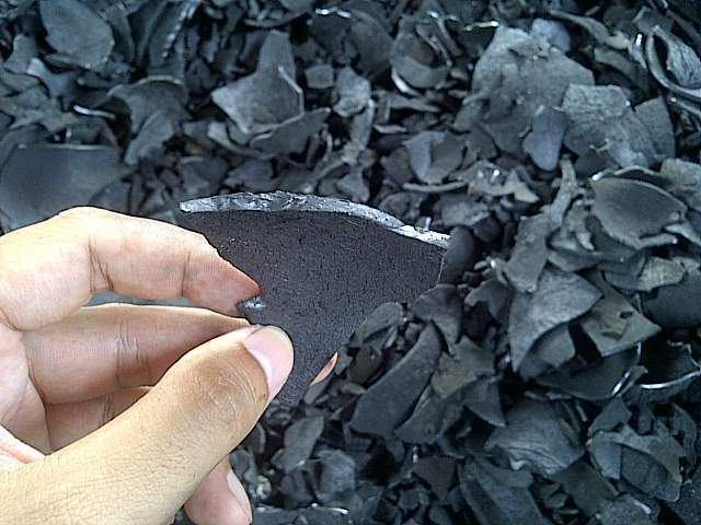 COCONUT SHELL CHARCOAL LUMPS