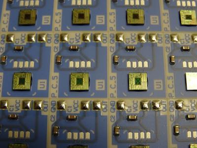 Hybrid circuit with COB