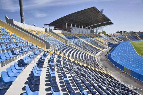 Stadium seats, bucket seats, stadium chairs, football arena chairs