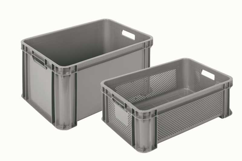 Very strong and resistant grey plastic stacking crates with rounded and reinforced corners. Available in closed and ventilated version, always food safe quality Size 545x390 mm