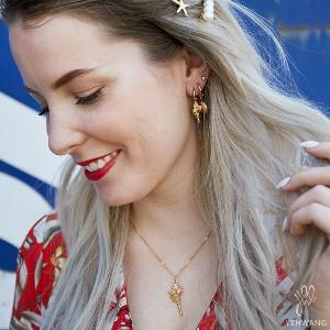 Bring the beach to your store with this jewelry! Yehwang