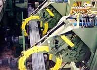 Binding machine for packs of square bars
