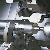CNC-Drehen von Kolbenstangen