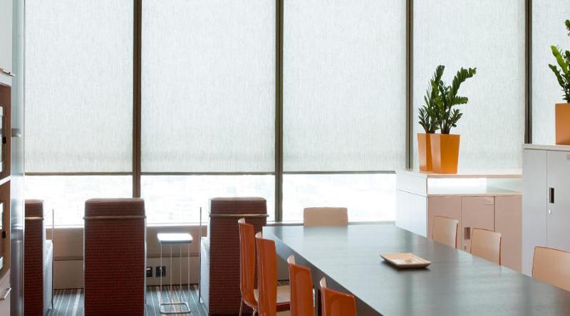 Sicht- und Sonnenschutz f. innenl. Räume