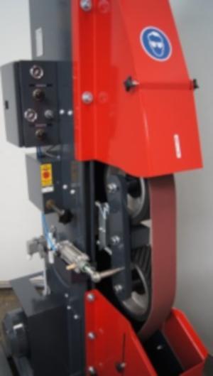 KS 100 Roboterschleifmaschine