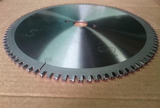 TCT circular saw blades for laminated Panels - 300