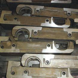 Grate bars for air-cooled grates