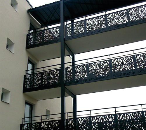 Protection de balcon - cheminement sur passerelle