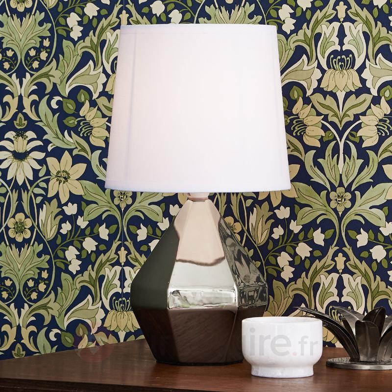 Lampe A Poser Ruby Avec Pied Ceramique Argente Lampes A Poser En