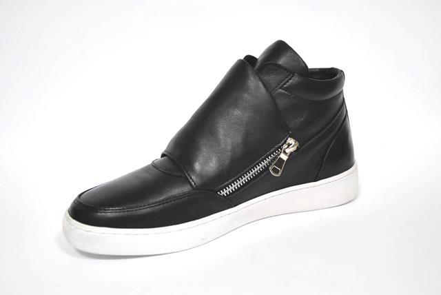 Ladies's shoes