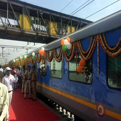 Delhi Agra Day Trip - by Train   www.aryanindiatour.com