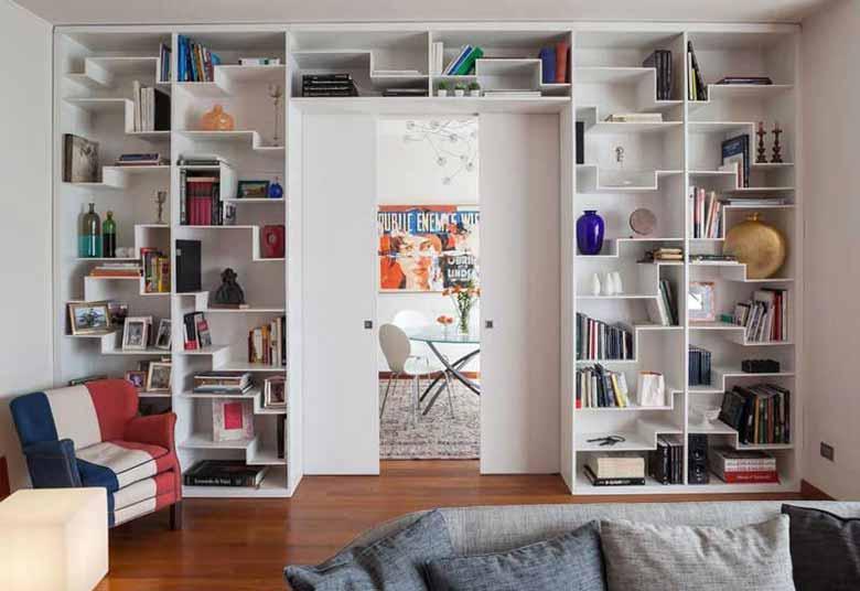 Soggiorno Moderno A Milano.Libreria Design Realizzata Su Misura Per Soggiorno Moderno