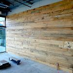 Bardage en vieux bois brun clair
