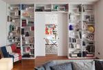 Libreria design realizzata su misura per soggiorno moderno