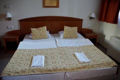 Bed cover for the hotels