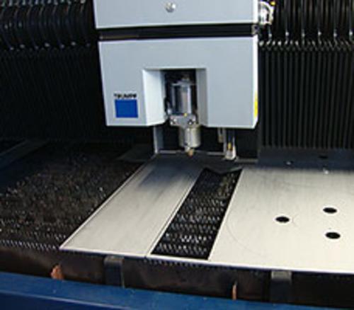 Lasertechnologie und Gesenkbiegetechnik