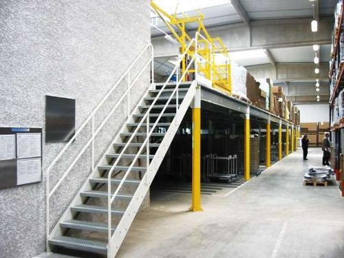 Escalier industriel métallique