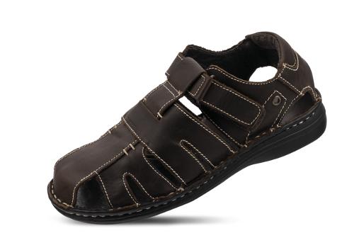 Men's sandals in brown color