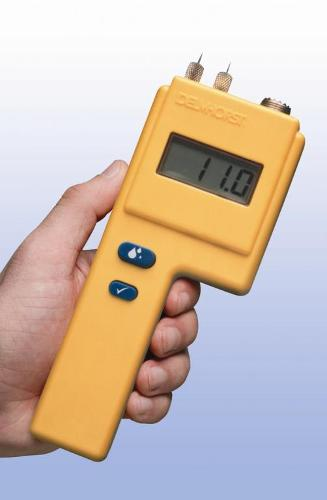 Moisture meter for leather