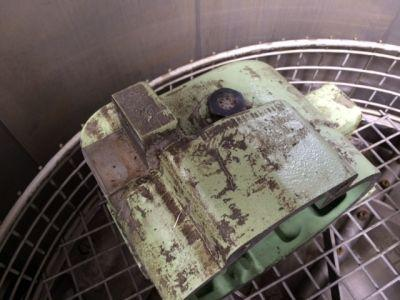 Application example Maintenance: Cleaning of housings...