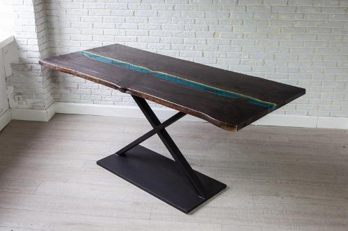 "Table ""Regis"""
