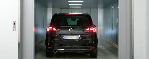 De kortste weg naar het parkeerniveau: de autolift TRAFFICO